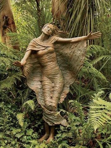 Bruno's Art and Sculpture Garden. Marysville, Australia