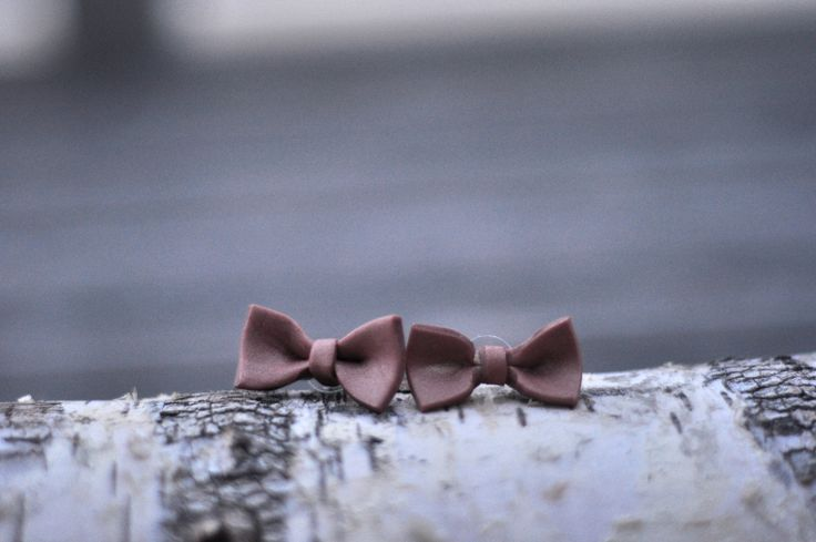 Molded // Bow Earrings in dusty pink