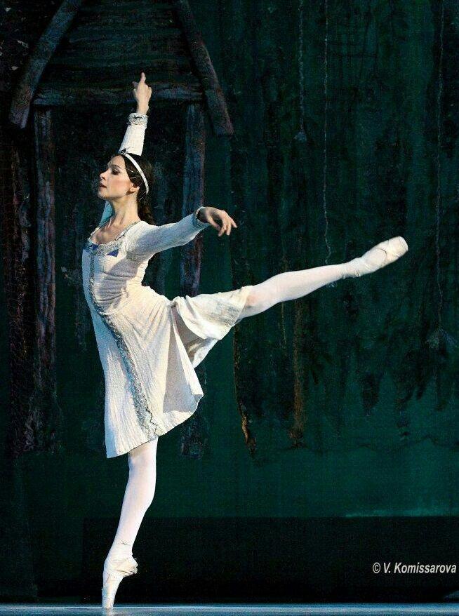 "Natalia Balakhnicheva (Kremlin Ballet) in ""The Daughter of the Snows"" # photo by Valeria Komissarova"
