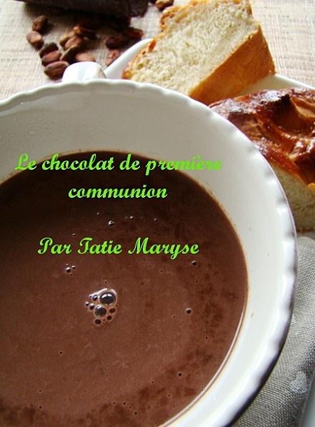 Chocolat de première communion qui accompagne le pain au beurre