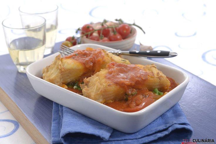 Saiba como preparar bacalhau frito com molho de tomate aqui: