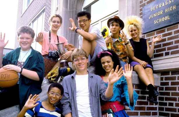 And felt really grown up watching Degrassi Junior High because of the ~mature themes~ warning that played before each episode.
