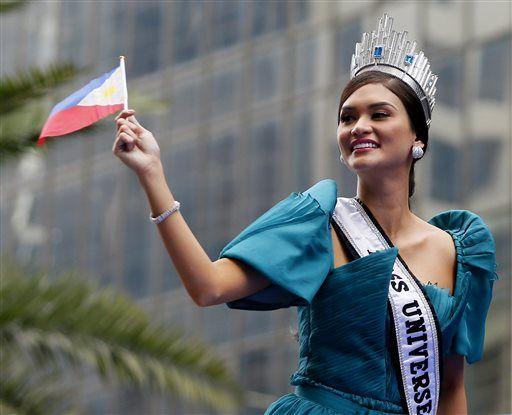 Philippines celebrates Miss Universe 2015 Pia Alonzo Wurtzbach's homecoming #missuniverse #missuniverse2015