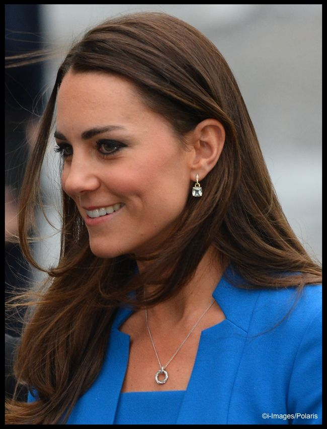 It's Royal Blue LK Bennett & a New Cartier Watch for Art Room Opening » What Kate Wore