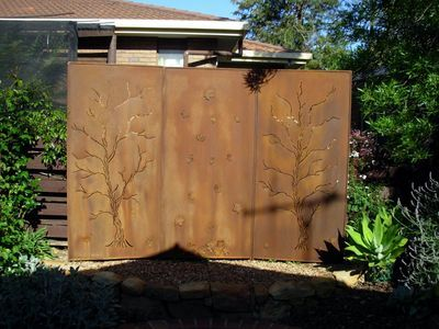 New designs of Outdoor Metal Art Sculpture! Shop for your garden at our online store today! If you need privacy from the next door neighbours yard we have several solutions to help.  Our metal privacy screens are made to be freestanding or you can fix to a wall.  These privacy screens can make instant courtyard sitting areas & are made to withstand our harsh Australian climate.  Available in Natural Rust as shown below or you can choose any colour from the powdercoat range.  Pricing varies.