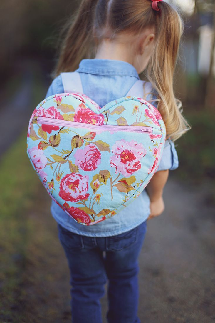 Heart Backpack Free Pattern                                                                                                                                                     Más