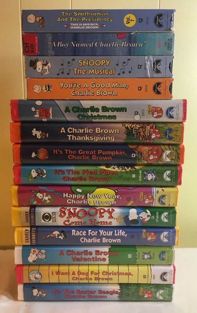 Charlie Brown Snoopy Peanuts Vhs Lot Of 14 Valentines Easter Thanksgiving Charlie Brown Und Snoopy
