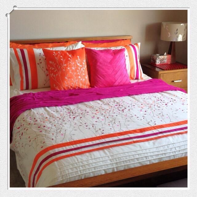 Aleisha on customer Tracey Sellers bed. Image thanks to her consultant Kerrie Parkin - Lorraine Lea Linen Independent Consultant