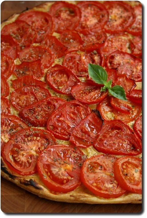 Tarte fine aux tomates, moutarde et origan www.savoirsetsaveurs.com
