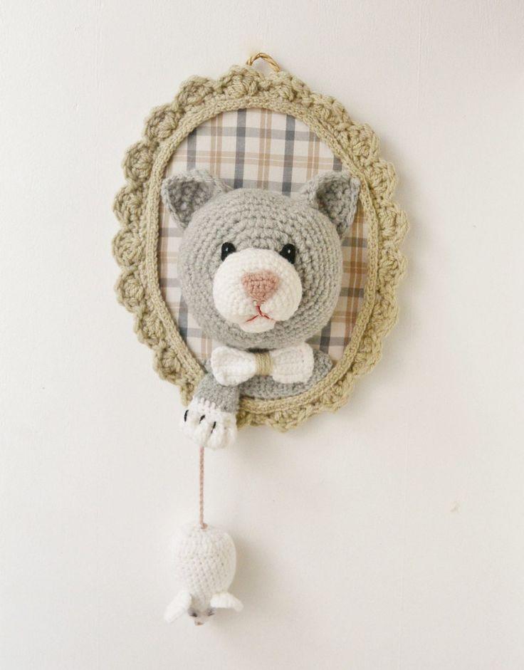 Trophée Chat et souris fait main au crochet : Décoration pour enfants par ligne-retro