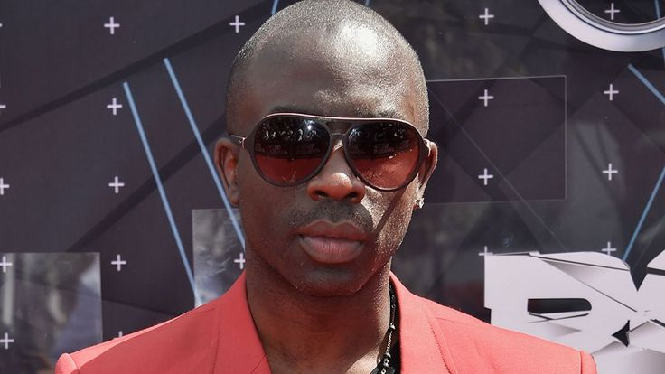 "Actor and model Sam Sarpong, known for co-hosting MTV's ""Yo Momma"" with Wilmer Valderrama, died Monday, his rep confirmed. He was 40. Sarpong died after jumping off a bridge in Pasadena, Calif., ac..."