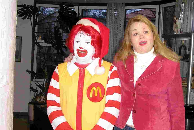 Singing with Ronald for kids.