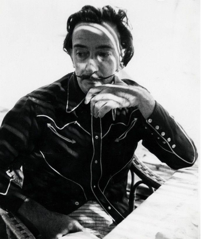 Шок — это по-нашему: жизнь и смерть Сальвадора Дали - http://russiatoday.eu/shok-eto-po-nashemu-zhizn-i-smert-salvadora-dali/ ELLE — о художнике, чье безумие — настоящее или мнимое — позволило ему прославиться и заработать миллионы11 мая в испанском городке Фигерас на свет появился Сальвадор Доме