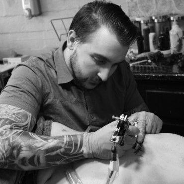 Black Diamond Tattoo | Luc Suter - Black Diamond Tattoo