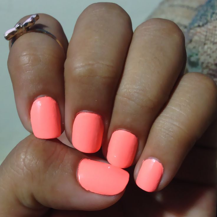 Fluorescent nails  ♡