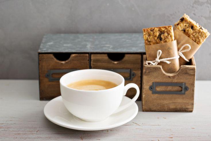 4 idei sănătoase și rapide de prânz la birou (când sari peste micul dejun)
