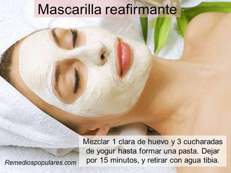 Varias recetas de mascarillas caseras y naturales en: http://www.remediospopulares.com/mascarillas_caseras.html