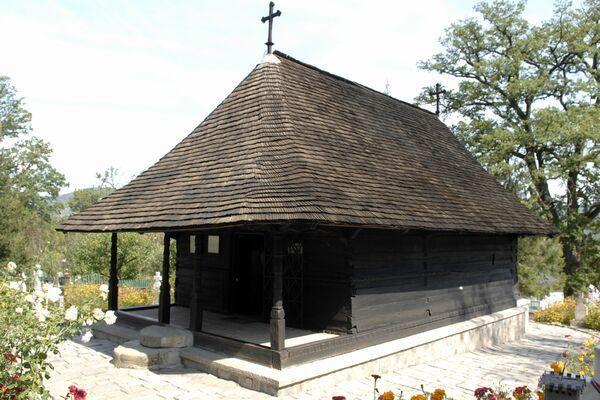 Manastirea dintr-un lemn ( one-piece-of-wood Monastery )
