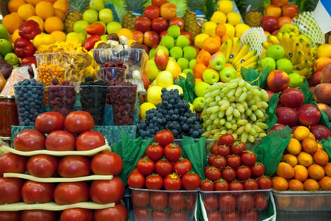 5 Benefits of Eating Organic Fruits and Vegetables |  Organic production is based on a system of farming that maintains and replenishes soil fertility without the use of toxic and persistent pesticides and fertilizers. Organic Green Mommy
