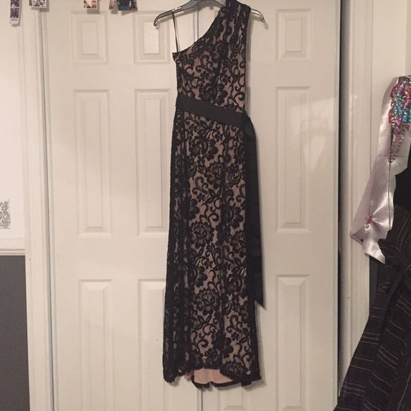 Black & Nude Formal Dress Beautiful dress! Worn 1x. Not my size anymore :( Betsy & Adam Dresses One Shoulder