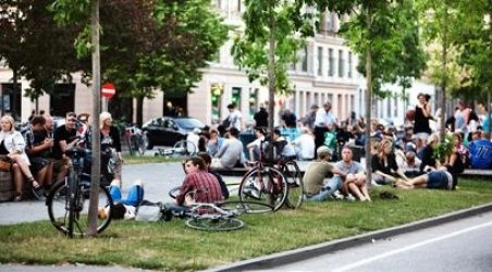 The long boulevard 'Sønder Boulevard' used to be a rather suspicious and not so attractive area. But since it was renovated it is buzzing with activity and spontaneous gatherings.
