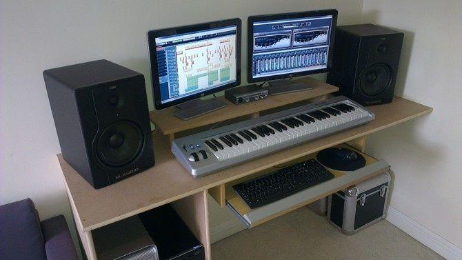 Kit Home Studio : - Double écran - Clavier Maître (MIDI) - Enceintes de Monitoring - Carte Son - PC fixe