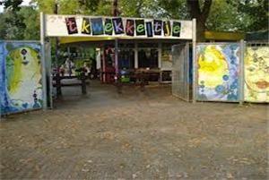 Lekker spelen in de speeltuin 't kwekkeltje in Rosmalen.
