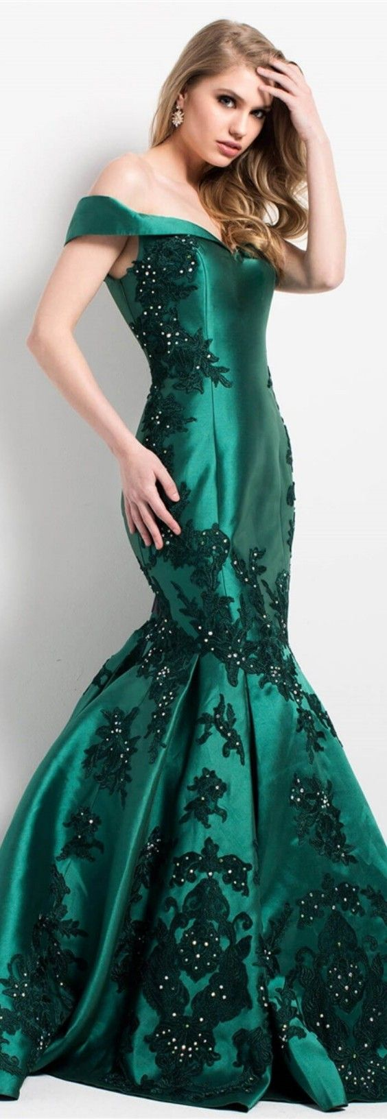 JOVANI ⚘In Emerald Mermaid-Style Funnel Skirt w. Hourglass Figure Styling Bodice On the Gown Black Petal Leaves w. Pearl Beaded Embellishments Throughout the Gown & Off-Shoulder Straps ⚘Style No. #55570.