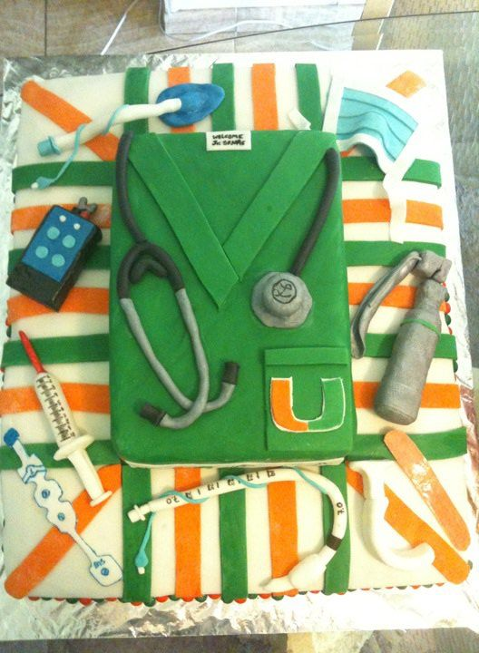 This is an amazing and ridiculously nerdy anesthesia cake