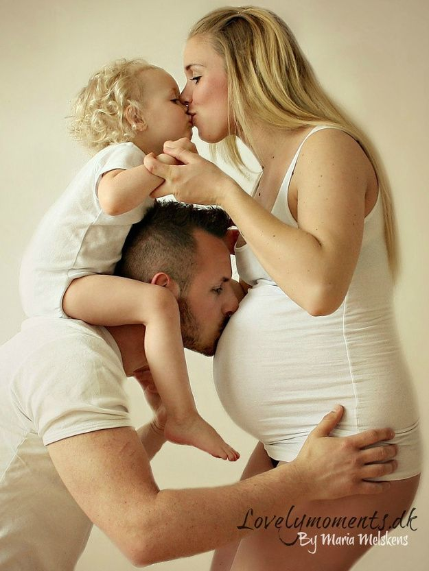 Sympathique séance photo de grossesse en famille !