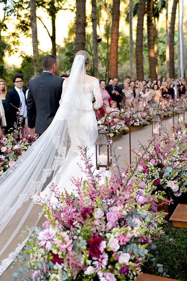Decoração cerimônia rosa - casamento na Fazenda Vila Rica ( Decoração: Fabio Borgatto e Talma Hayashi | Foto: Rejane Wolff )