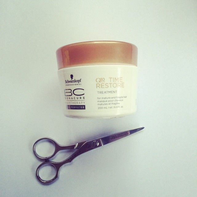 Whether it's a chop or colour change, make sure you treat your hair at every wash. Do a pre #coconut treatment before you wash your hair & then substitute your conditioner with a hair mask. With the amount of styling we do at this time of year you want to feed your hair every chance you get. I have been loving the @schwarzkopfau Q10 time restore treatment, hydrates, keeps hair strong & never weighs it down. Whatever hydrating nourishing hair mask you prefer use it in place of conditioner.