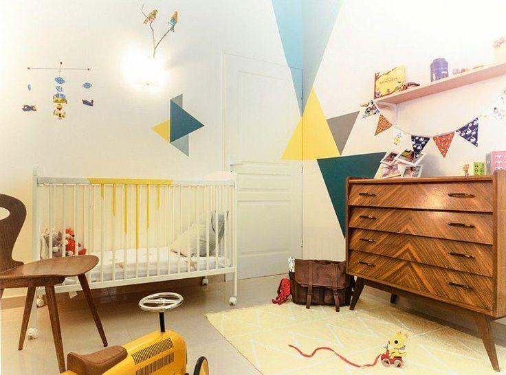 Chambre originale garçon colorée et rétro