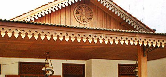 Ornaments 'bunga melati' at Betawi house