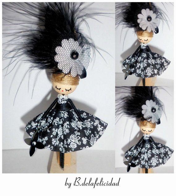 Broche de muñeca                                                                                                                                                                                 Más
