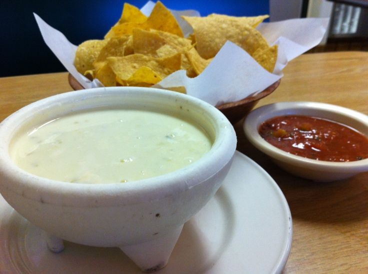 You know that yummy white Mexican cheese dip we all love? I have the recipe and today I am sharing it with you!