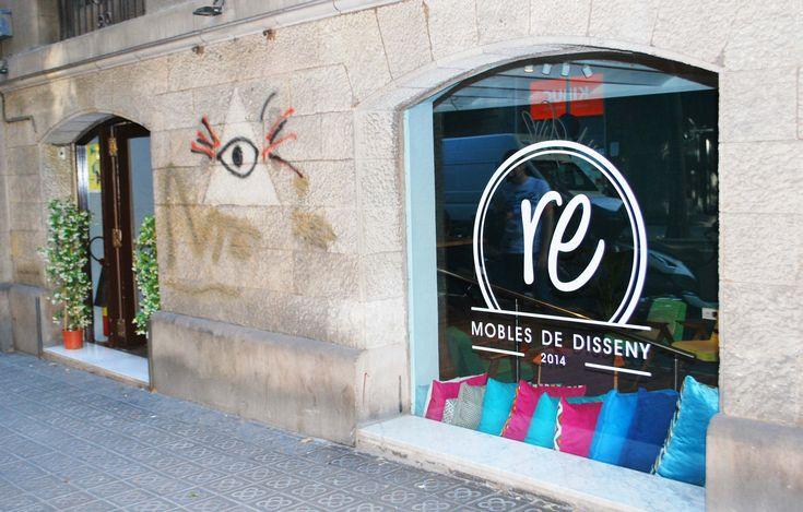 #butaca #diseño #decoracion #interiores #muebles Barcelona #vintage # años 60 #retro #tienda de muebles #cojines #lamparas #mesa de cafe #reprojektownia