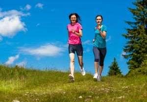 ¿Conoces los beneficios de correr por la montaña? #vidasana #salud #ocio #regalos