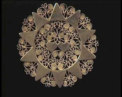 arteorafadabruzzoemozione  La Presentosa   gioiello tipico abruzzese