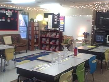 Literacy scheduling and planning ideas: Classroom Lights, 4Th Grade Classroom Management, Classroom Oth, Classroom Schedule, In This Classroom, Plans Ideas, Portable Classroom Decor, 4Th Grade Classroom Routines, Classroom Ideas