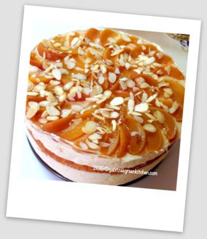 Tort cu Crema de Mascarpone si Piersici