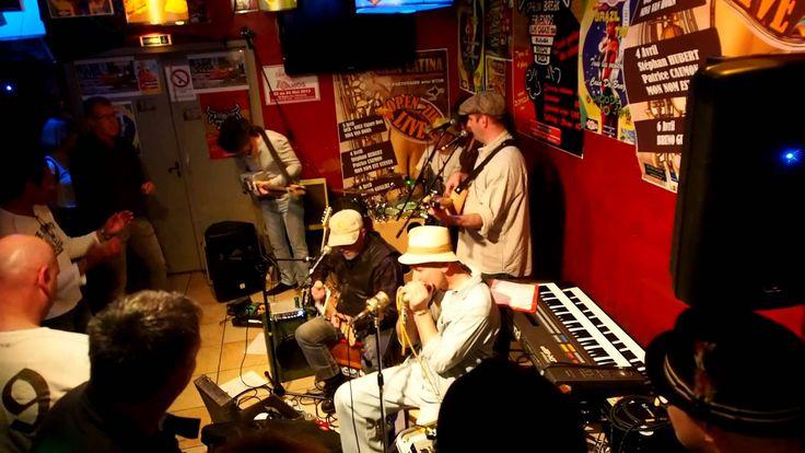 OCB à la Casa Latina (Bx 03-04-2014)  Dans le cadre de l'évènement Concerts VS Cancer,  En première partie, OCB un groupe bordelais a fait un tabac. Casa Latina s'ouvre à toutes les musiques dont le blues et ce fut un grand moment de musique où l'ambiance fut rock and roll avec des musiciens d'un talent terrible.  Merci à tout le groupe pour cette soirée de folie, des garçons à l'image de leur leader, charmants, simples et super sympas.