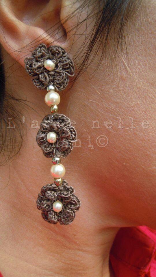 Pendenti crochet con tris di rose d'Irlanda e perle