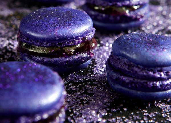 Oscar Recipe: Huckleberry Earl Grey Macarons
