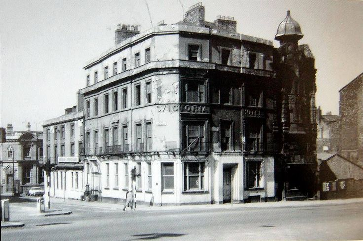 Victoria Hotel, St Georges Hall / St Johns Lane 1969'