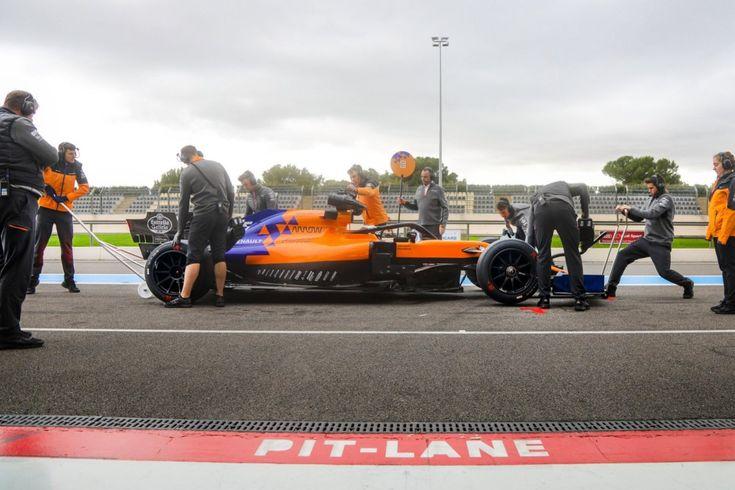 Carlos Sainz Jr teste les futurs pneus Pirelli 18 pouces