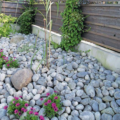 Man trenger ikke å ha en hage med planter og gressplen som krever mye arbeid. Et uterom bør tilpasses dem som bor der, mener Finn Schjøll.