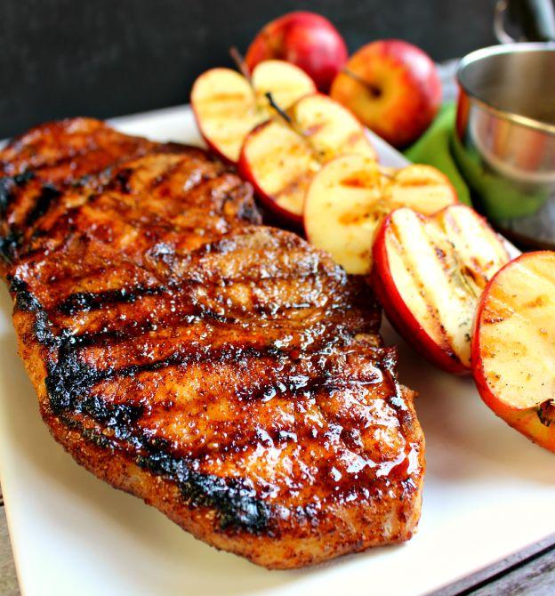 Recette de côtelettes de porc caramélisées au cidre de pommes!