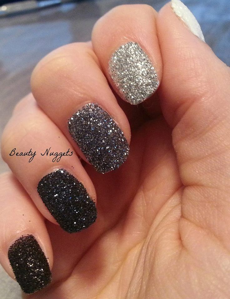 Glitter Nail Trends: 17 Best Ideas About Black Glitter Nails On Pinterest