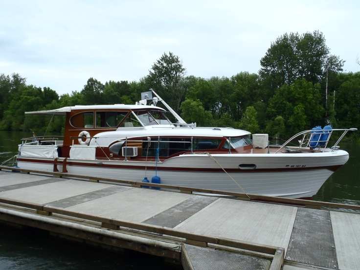 Foot Chris Craft Constellation For Sale